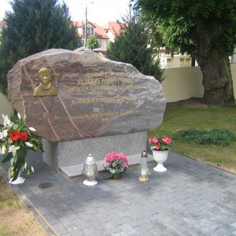 Pomnik bł.Jerzego Popiełuszki kapłana i męczennika